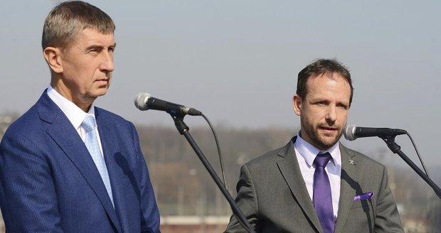"ANO v Ostravě ""vyšouplo"" ODS i Ostravaka. Primátorem bude dál Macura"