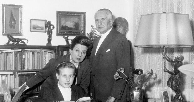 Václav Vydra s maminkou Danou Medřickou