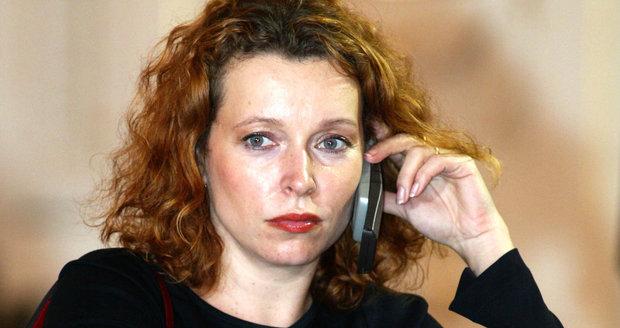 Buzková je zpět. Její firma za 2600 korun na hodinu radila státu s marihuanou