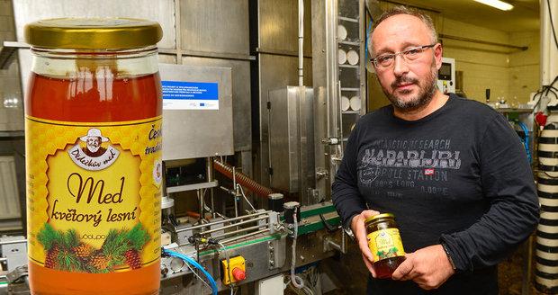 Ředitele Včelpa nikdo neodvolal a společnost začne od ledna znovu prodávat své medy!
