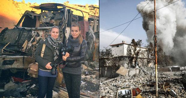 """""""V tomhle autě se odpálil atentátník."""" Češky zpovídaly dva zajaté vrahy ISIS"""