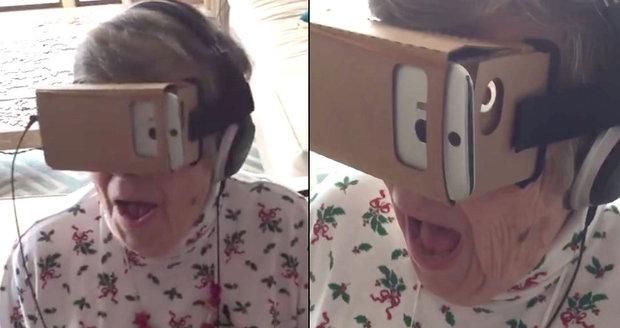 88letá babička Marie se mohla pominout z virtuální reality.