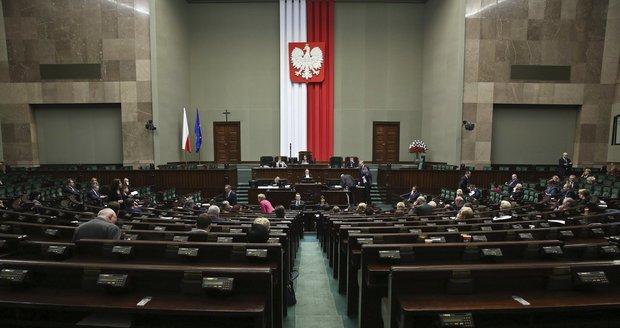 Polský Sejm schválil spornou novelu zákona o rozhlasu a televizi