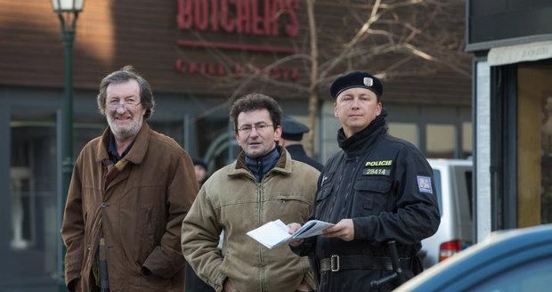 Kriminalisté Ondřej Vetchý s Bolkem Polívkou řešili brutální vraždu dvou žen.