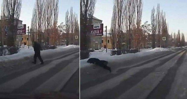 Opilec hodil tlamu přímo do sněhové závěje.