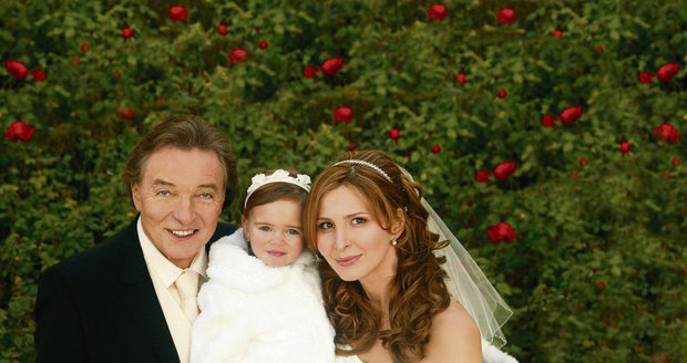 U sňatku rodičů byla jejich tehdy dvouletá dcera Charlottka.