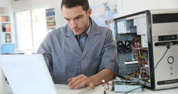 Technické obory lákají vysokoškoláky.
