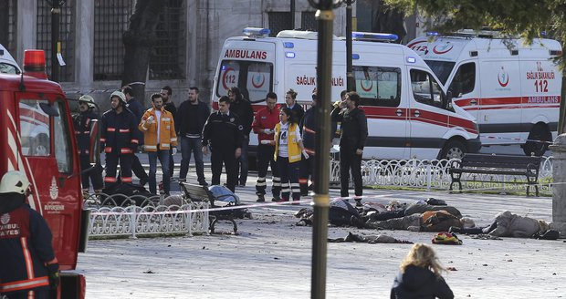 200 Čechů na dosah smrti. Při sebevražedném útoku v centru Istanbulu 10 mrtvých