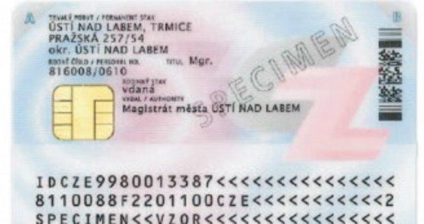 Nový občanský průkaz s čipem na zadní straně (Ilustrační foto)