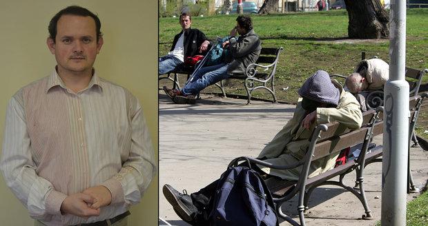Ředitel Armády spásy: Bezdomovci nevydrží v práci kvůli nízké výplatě