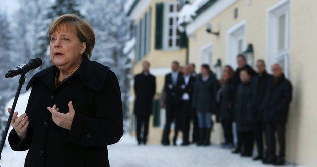 Už i na Merkelovou je migrantů moc. Kancléřka chce zkrotit uprchlickou tsunami