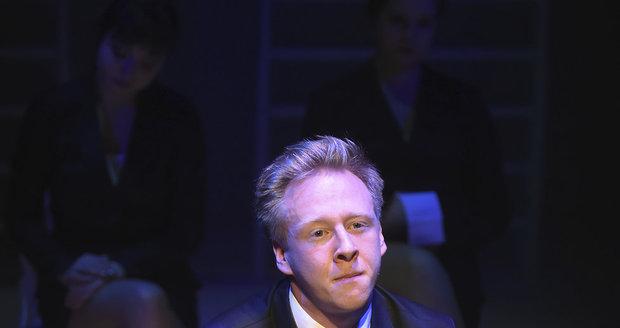 Štěpán Kozub v ostravském divadle Komorní scéna Aréna při zkoušce hry Urse Widmera Top Dogs