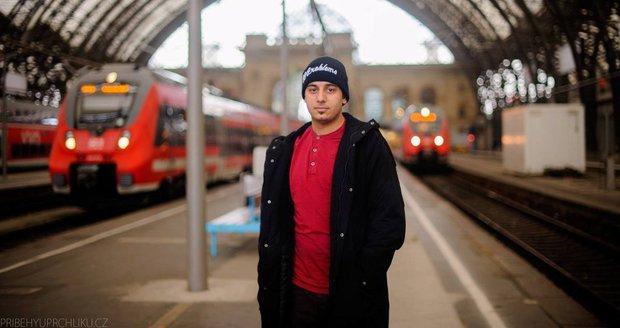 """""""Někdo nemá rád uprchlíky, chápu to,"""" tvrdí běženec ze Sýrie Kamal"""