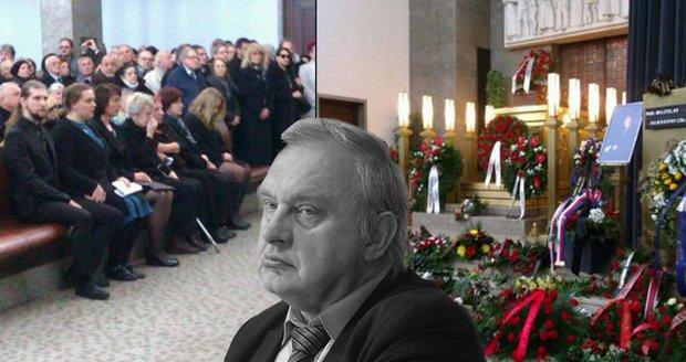 """""""Nechali tě v tom!"""" Ransdorfova vdova spílala KSČM, sklidila bouřlivý potlesk"""