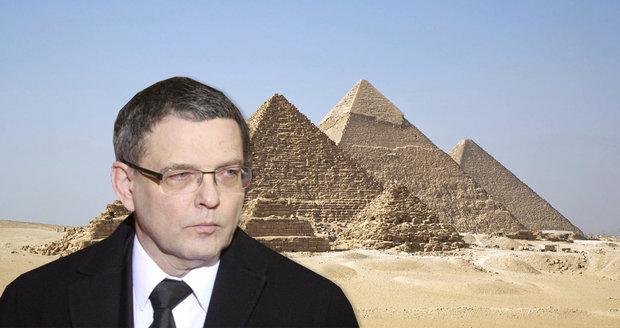 Archeologové, syrská opozice: Zaorálek vyrazil na návštěvu Egypta