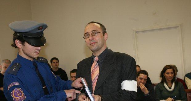 Skutečný vrah Vladimír Mikuš před soudem zapíral.