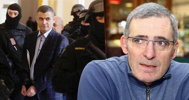 Exšéf rozvědky: Jestli Češi pustili Fajáda za zády USA, tak jsme za blbce