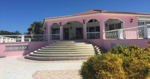 Jeden z Janečkových domů v Dominikánské republice, který je na prodej. Hodnota domu se čtyřmi ložnicemi se počítá v desítkách milionů korun.