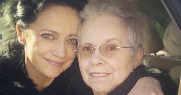 Lucii Bílé zemřela maminka. Zpěvačka to oznámila na Facebooku.