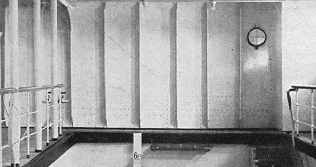 Na Titanicu byl i necelé dva metry hluboký bazén, který byl napuštěný slanou vodou.