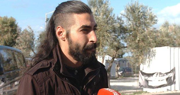 Syrský uprchlík Dani: Že máme drahé telefony? Před smrtí neutíkají jen chudí