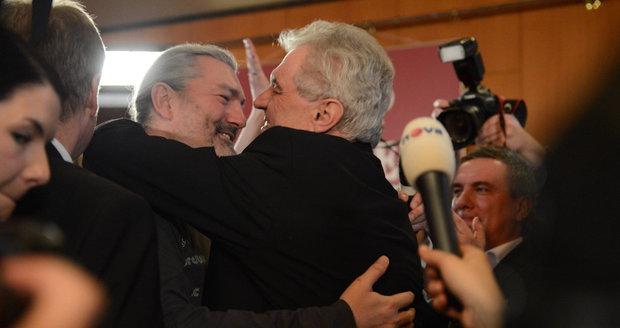 Hůlka podporoval Zemana už v prezidentské volbě. Podle jeho slov byli přátelé.