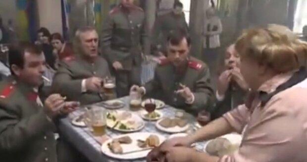 Všechny pokrmy musely být připraveny hned třikrát kvůli opakování scén.
