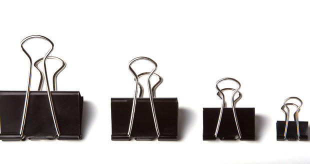 Kovové sponky se dají využít mnohem rafinovaněji, než pouze na sepnutí papíru