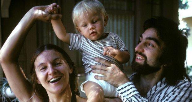Malý Leo s rodiči v roce 1976