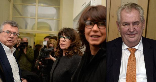 """Jurečka: """"Ať se Zeman zachová jako chlap."""" Peroutkovu vnučku podpořila i dcera"""