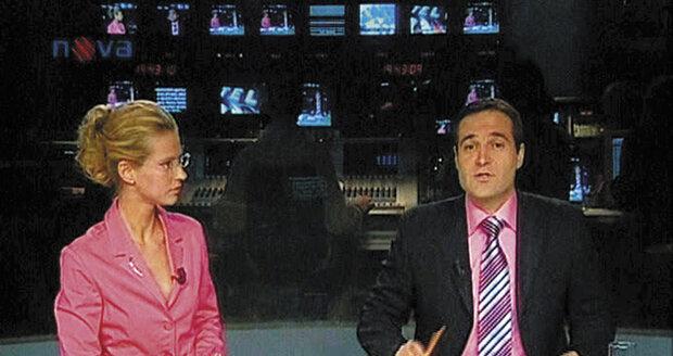 Pavel Zuna a Pavla Charvátová při moderování Televizních novin na Nově.