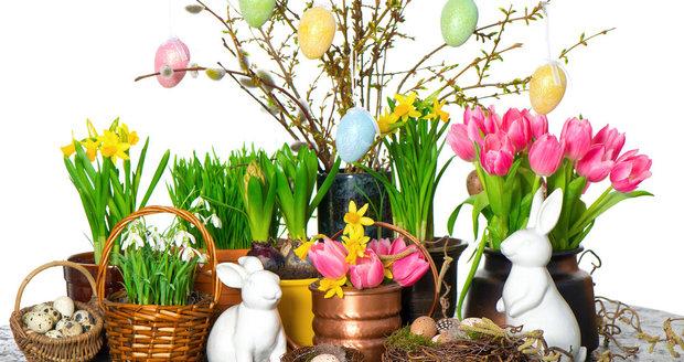 Vyrobte si květinovou dekoraci, kterou hravě proměníte ve velikonoční