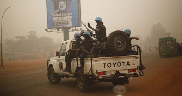 Bič na sexuchtivé mírotvorce z OSN. Rezoluce potrestá i podezření z chlípnosti