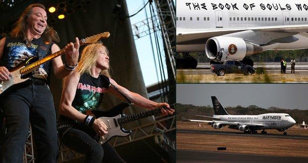 Iron Maiden zrušili letadlo: Boeing sjel z odtahovače a zranil dva pracovníky letiště