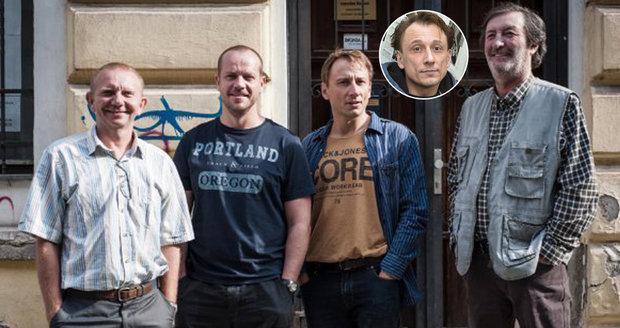 Kapitán Anděl z Případů 1. oddělení alias herec Petr Stach (41) je prý homosexuál.