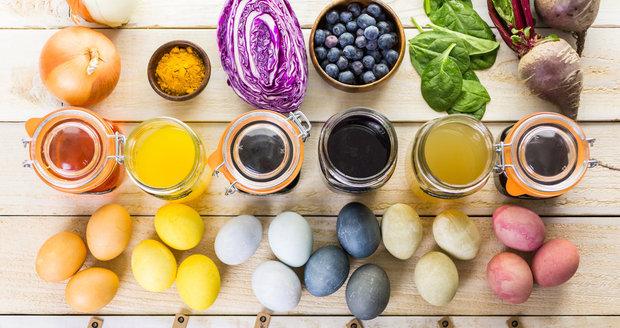 Krásných barev dosáhnete i bez chemie, jen za použití věcí, které máte doma