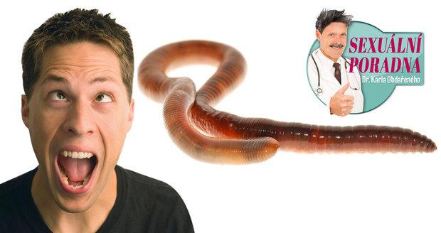 Dr. Karel Obdařený řeší problém s penisem, který vypadá jako žížala.