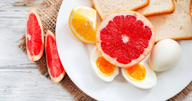 Co takhle vyzkoušet dietu z vajec a grepu? Raději snad ne.