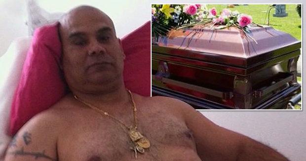 Sňatkový podvodník předstíral smrt, teď zemřel doopravdy