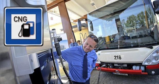 Češi ujíždějí na plynu: Pohání 30x víc vozidel než dřív, stát ale cíle neplní