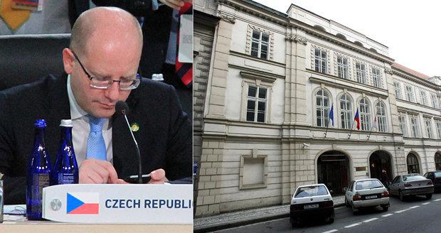 """Sobotka: Kauza """"Lidový dům"""" nesmí ČSSD před volbami finančně zruinovat"""