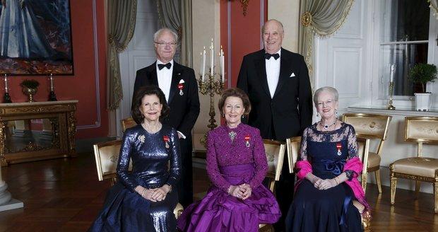 Švédský král Carl Gustaf s manželkou Silvií, norský král Harald s manželkou Sonjou a dánská královna Margrethe (vpravo)