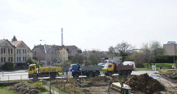 Stavba v ulici Jenišovské