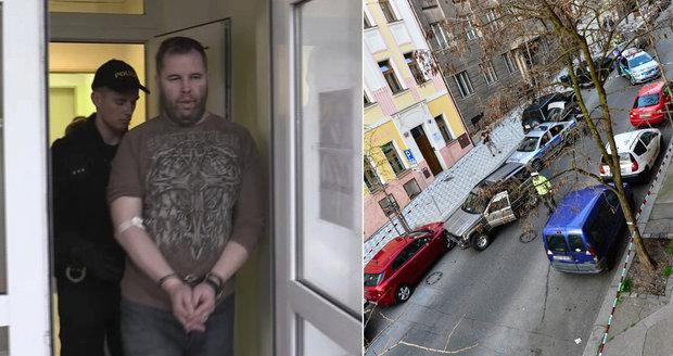 Policista, který naboural 51 aut: Má sbírku zbraní, varuje Policejní akademie