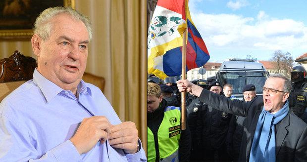 Zeman častoval Kalouska slovníkem StB. Šéf TOP 09 kontroval třídním bojem
