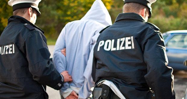 Uprchlíka (17) v Německu obvinili ze znásilnění dítěte: Utrpělo těžká zranění