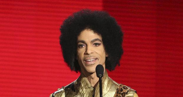 Zemřel americký zpěvák Prince (†57).