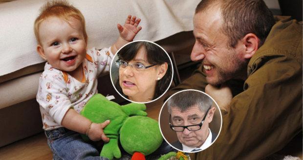 Týden otcovské už od příštího roku? Babišův resort návrh Marksové kritizuje