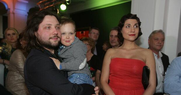 Felix se svým synem a současnou snoubenkou, se kterou má dalšího syna.