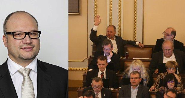 Sněmovna vydala Stupčuka: Policie ho začne stíhat za bourání pod vlivem